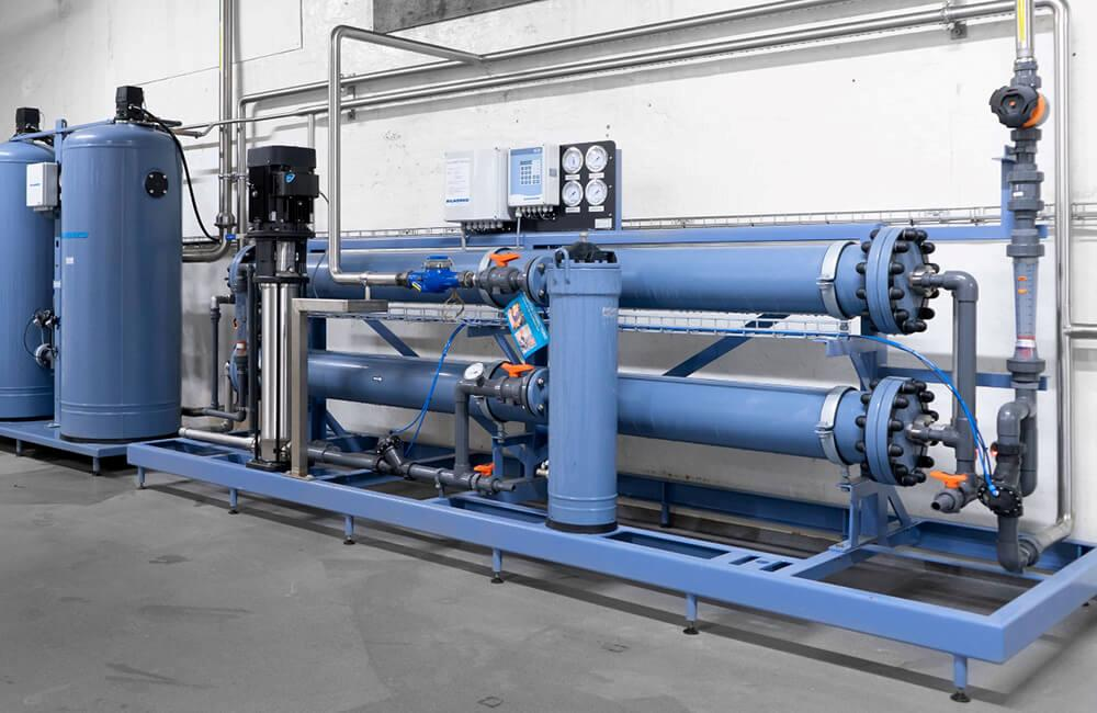 Single pass reverse osmosis system